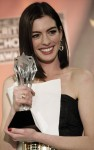 anne hathaway critics choice 01