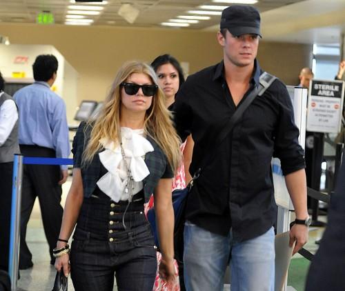 Fergie & Josh leave for honeymoon