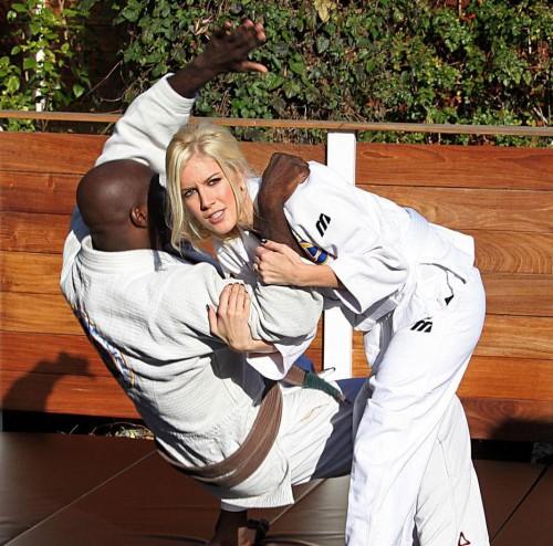 Heidi Montag trains Jitsu