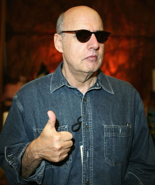 Jeffrey Tambor gives the thumbs up