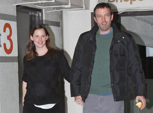 Jennifer Garner & Ben Affleck leave the hospital Jan. 3