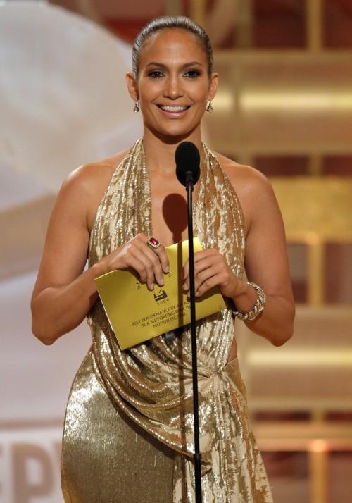 Jennifer Lopez @ Golden Globes ringless