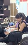 jessica alba massage 06