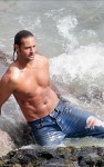 josh holloway water 02