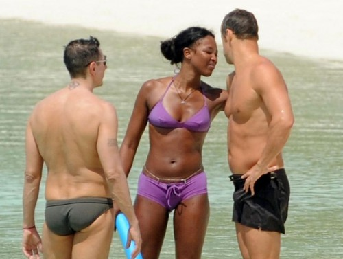 Naomi Campbell @ the beach