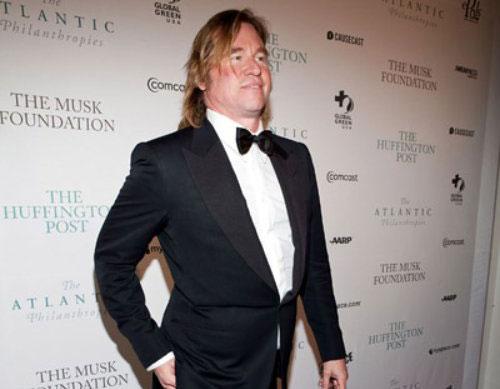 Val Kilmer wears a tux