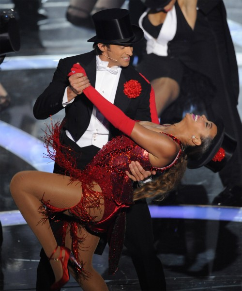 Beyonce slips a nipple