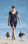 charlize theron beach 09