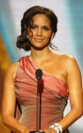 halle berry naacp 01