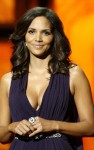 halle berry naacp 07