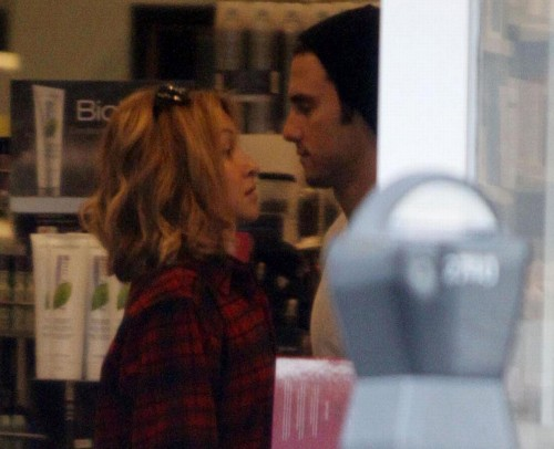 Hayden Panettiere & Milo Ventimiglia fake shop to be together