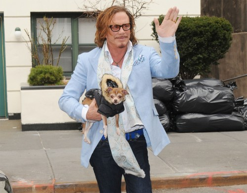 Mickey Rourke gets it to-go