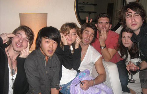 Miley Cyrus Ching Chong pose