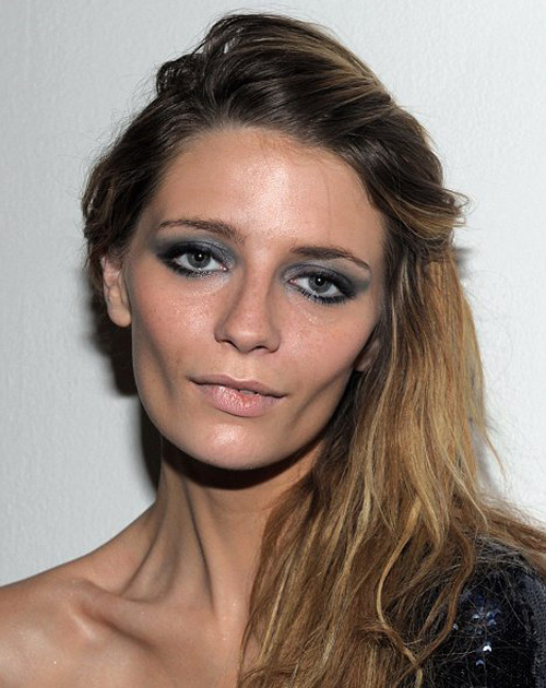 Mischa Barton is all angles