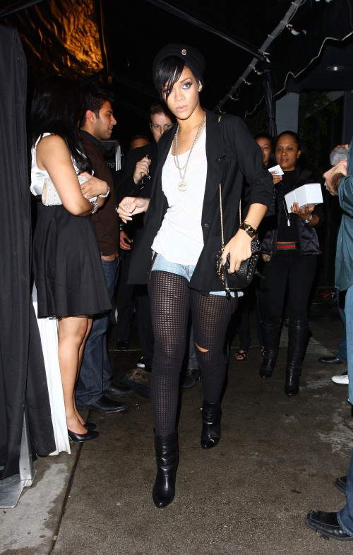rihanna chris blvd3 10