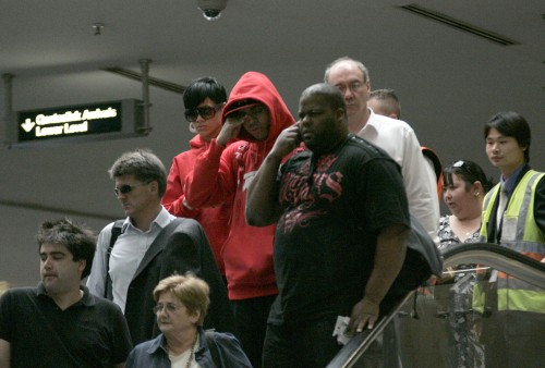 Rihanna & Chris Brown @ Perth Airport