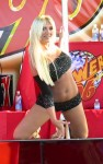 brooke hogan pole 06