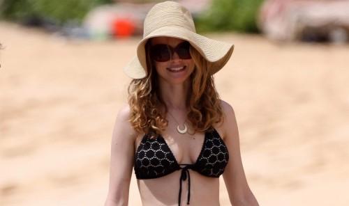 Heather Graham bikini