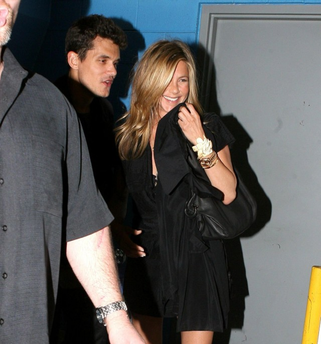 jennifer aniston john mayer bowl 04   32181   Photos   The ... Jennifer Aniston Movies