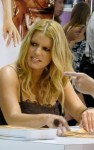jessica simpson signs 02