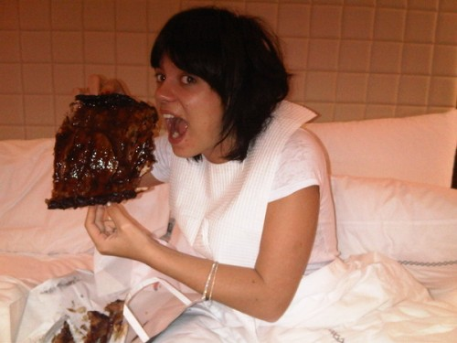 Lily Allen has ribs