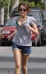 miley cyrus jogs 01