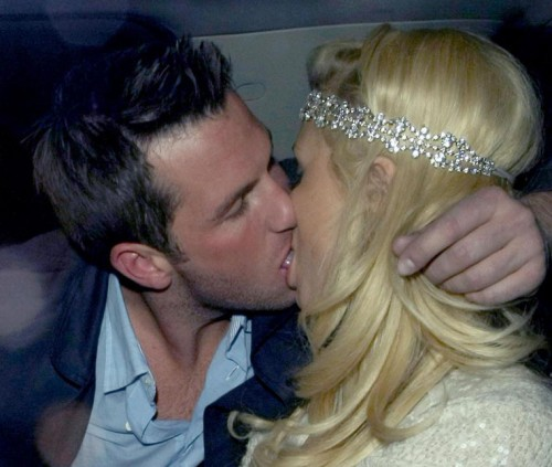 Paris Hilton makes out with Doug Reinhardt