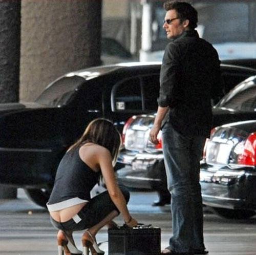 Kate Beckinsale ass crack
