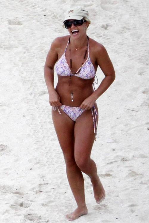 britney spears bikini 131
