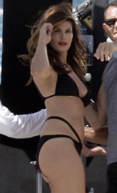 cindy crawford bikini 32