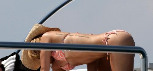 hayden panettiere pink bikini 06