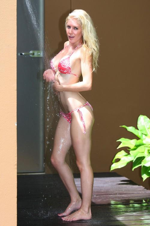 heidi-montag-bikini-12
