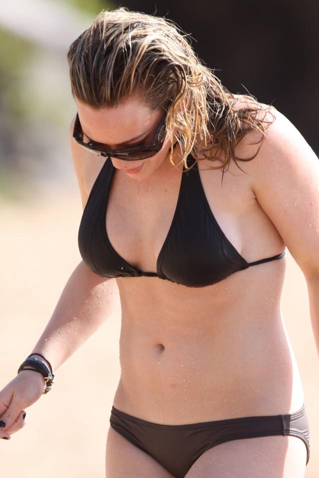 hilary-duff-bikini-17 | 40192 | Photos | The Blemish Hilary Duff