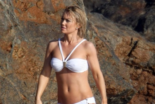 kelly carlson bikini