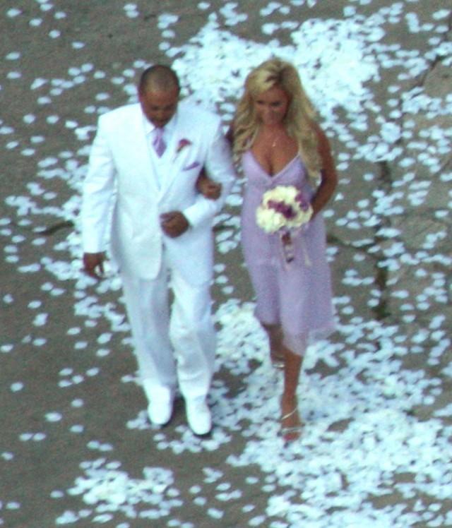 Kendra Wilkinson Wedding: Kendra-wilkinson-wedding-16