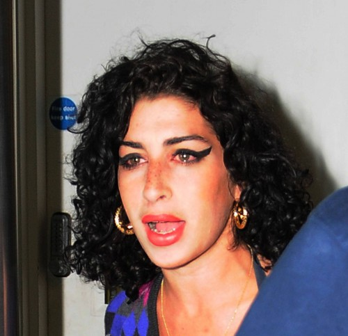 amy-winehouse-gatwick-14