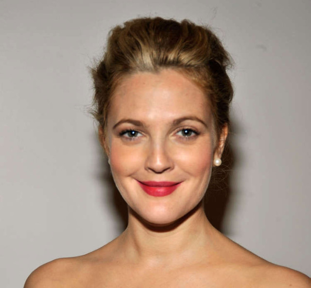 Drew-Barrymore-61st-Emmys-15-header-pic