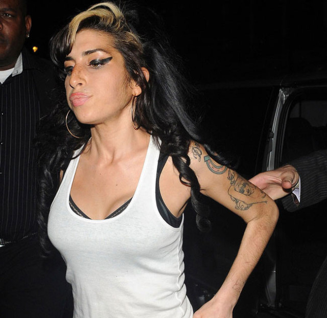 amy-winehouse-out