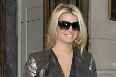 jessica-simpson-out