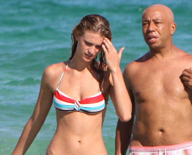 julie-henderson-bikini