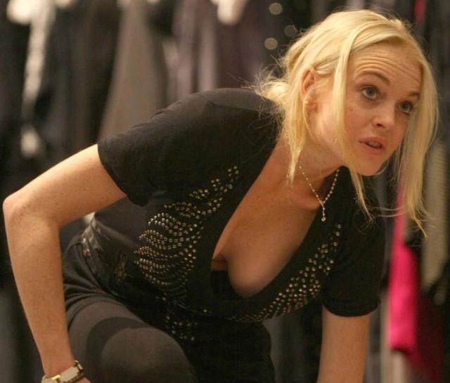 lindsay-lohan-cleavage