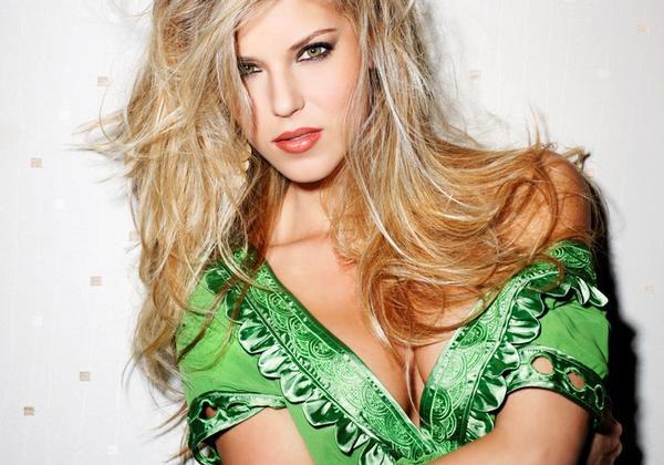 Carrie-Prejean-modeling1