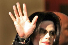 Michael-Jackson-Waving2
