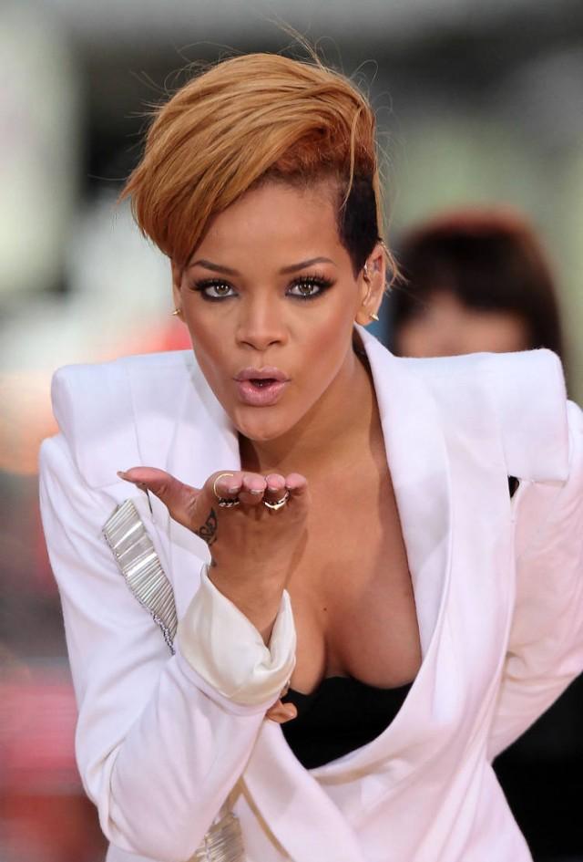 rihanna-gma-10 | 53764... Rihanna Fenty