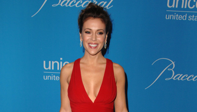 Alyssa Milano Is Going to Foster Immigrant Children Taken From Their Parents