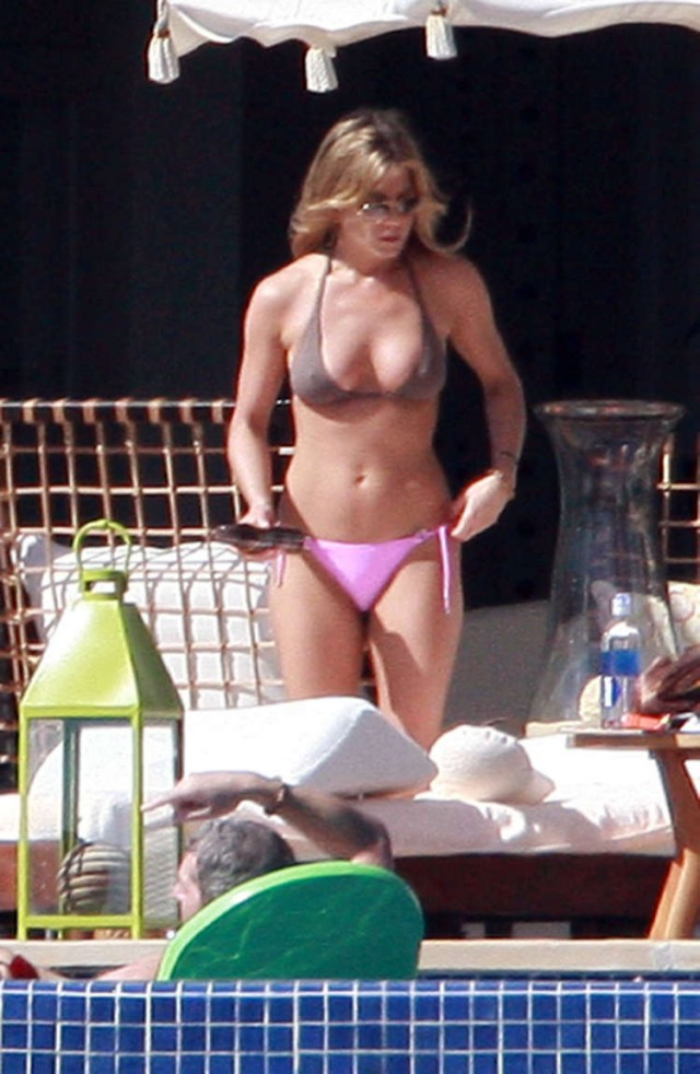 sports with Jennifer Aniston Mexico 06 on Jennifer Aniston Mexico 06 in addition Supplement Reduce Cow Produced Methane as well Katie Holmes Enjoys Beach Time With Suri Despite Stretch Marks 9 additionally Italy Liguria Genova Arenzano additionally Free Clipart 6467.