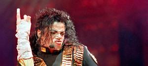 michael-jackson-perform
