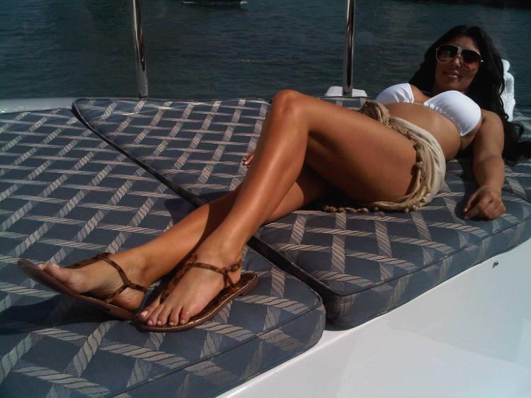 kim kardashian twitter bikini pics