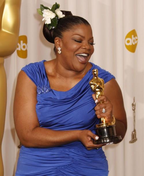 Ganadores Oscars 2010 Monique-oscar-500x612