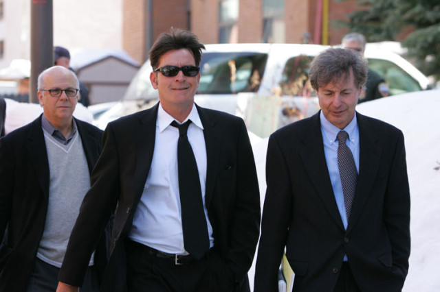 charlie-sheen-court